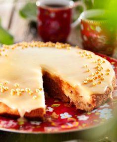Helppo omenakakku   Maku Finnish Recipes, Sweet Pastries, No Bake Cake, Cake Recipes, Cake Decorating, Sweet Tooth, Cheesecake, Food Porn, Food And Drink