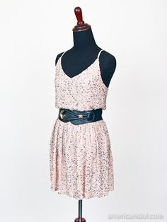 """Skylar wore this dress by Alice & Olivia with a belt from Bebe for her performance of """"The Show Must Go On"""" by Queen at the Top 6 performance show."""