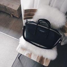 givenchy antigona medium handbag