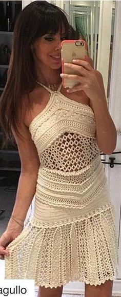 dress by Vanessa Montoro                                                                                                                                                                                 Más