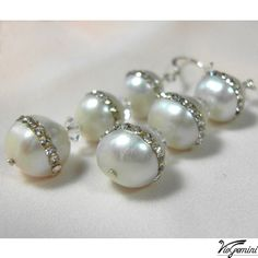 Bridal earrings with 3 freshwater pearls and crystals by VioGemini