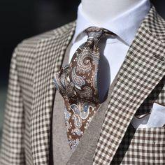 Mens Dress Hats, Men Dress, Dapper Gentleman, Gentleman Style, Sharp Dressed Man, Well Dressed Men, Dapper Suits, Mens Suits, Brown Suits