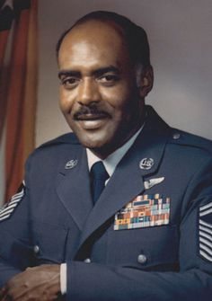 Thomas Barnes the first African American to hold top air force enlisted position
