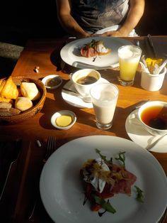 Love & Breakfast