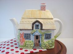 1980's Annie Rowe The Villages Collection Summer Cottage Teapot