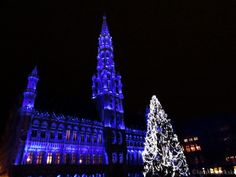 lady in black: Christmas markets #christmasmarkets #christmas #markets #belgium #brussels #decorations #winter #oldtown #merrychristmas #christmastree
