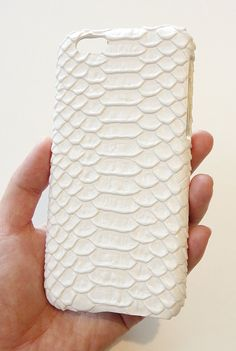 New unique one of a kind rare limited For Apple iPhone 6 6s 4.7 White Crocodile Croc skin  Leather Snap on Hard case protection case for women men unisex handmade by Yunikuna