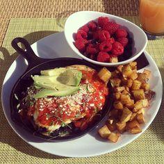 Breakfast on the beach in Malibu... #CarbonBeachClub #MalibuBeachInn
