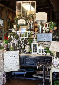 Love the natural look? Rod Works has all the decor you need! Burlap, distressed wood, natural textures and greenery are what you need for this beautiful look!