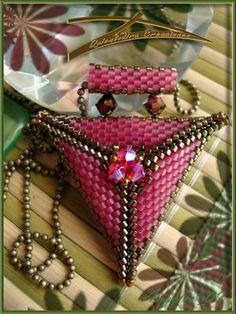 Quienlodira Creaciones: Triángulo Con tupis Reversible Rosa/ Verde