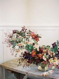 Beautiful wedding floral arrangement created during Tinge Floral workshop!