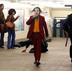 Joker Film, Joker Art, Joaquin Phoenix, Harley Quinn Cosplay, Joker And Harley Quinn, Joker Phoenix, Dc Comics, Detective, Guys Thoughts