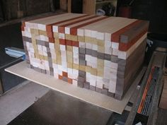 Small Woodworking Projects That Sell – WoodworkeRealm Woodworking Projects That Sell, Custom Woodworking, Diy Wood Projects, Wood Crafts, Woodworking Plans, Workbench Plans, End Grain Cutting Board, Diy Cutting Board, Wood Cutting Boards