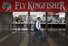Kingfisher airline in rescue talks, says boss     Chance to fly: Kingfisher\'s ticketing office in Mumbai