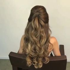 Beautiful finesse Beautiful finesse Medium-length hair is the right length proper who's over You Long Hair Wedding Styles, Wedding Hair Down, Wedding Hairstyles For Long Hair, Bride Hairstyles, Down Hairstyles, Hairstyle Ideas, Pageant Hairstyles, Hairstyle Men, Homecoming Hairstyles