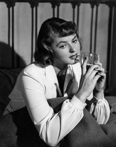 1940's - Ingrid Bergman circa 1942