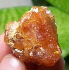 Great Orange Red Pyramid Scheelite crystal Mineral Specimen China 15-621 #UnbrandedGeneric