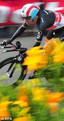 Fabian Cancellara takes prologue yellow jersey #TDF