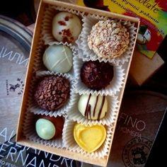 Новая партия конфеток готова  Цена одной такой коробочки 70 грн!!! А осенью и зимой, такие вкусняшки будут очень кстати, как для себя любимой, так и на подарок своим близким людям