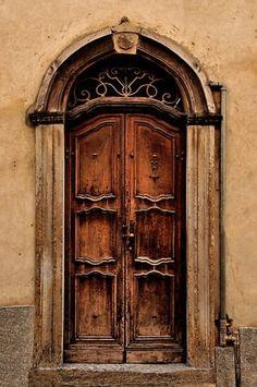 Italian Door | Very cool photo blog