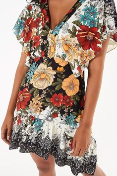 vestido curto santarem Lovely Dresses, Beautiful Outfits, Colour Combinations Fashion, Casual Outfits, Fashion Outfits, African Dress, Fashion Prints, Short Dresses, Gowns