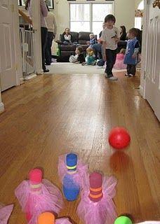party game: tutu bowling