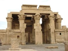 Kom Ombo Temple / http://www.shaspo.com/new-year-packages-christmas-and-new-year-hot-deals-in-egypt / enjoy Egypt New Year Packages with Shaspo, it will include excursions to; Hurghada, Cairo, Luxor, Aswan and also enjoying the Nile view because the package will include Nile Cruise excursion to move between Aswan and Luxor.
