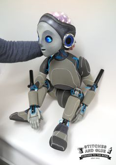 Hey Chaps! I Thought I'd share our recent Robot Boy Bunraku style puppet (Produced by the team at Stitches and Glue, London) that we made for the Wellcome Trust as a part of their Brain project.
