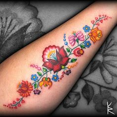 Ideas Flowers Beautiful Tattoo For 2019 Pretty Tattoos, Beautiful Tattoos, Cool Tattoos, Tatoos, Neue Tattoos, Body Art Tattoos, Sleeve Tattoos, Piercing Tattoo, Hungarian Tattoo