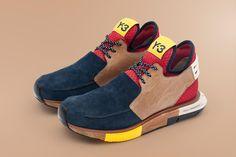 Ok, on rentre vraiment dans le domaine du bizarre et du rétro futuriste avec cette nouvelle création de Y-3. La collaboration entre Yohji Yamamoto et Adidas donne une création sauvage qui casse tous les codes de la sneakers. Une semelle en bois et des lacets en corde ! En bref une création plus proche du concept cars que de la sneakers, ...