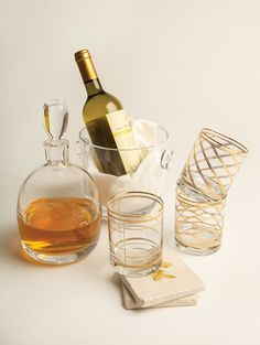 Charming wedding gifts can elevate the happy couple's serving game and offer a lasting impression. New Orleans, Wedding Gifts, Wine, Bottle, Drinks, Wedding Giveaways, Flask, Drink, Wedding Favors And Gifts