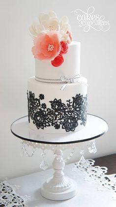 Zwart kant als inspiratie voor je bruidstaart / wedding cake. #TrouwPartners