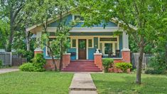 Painting your house doesn't only give it a new look. It can save you money and home maintenance. Brush up on some unexpected painting and staining benefits. Craftsman Bungalow Exterior, Bungalow Porch, Bungalow Homes, Craftsman Bungalows, Exterior Paint, Interior And Exterior, Apartment Therapy, Paint Your House, House Painting