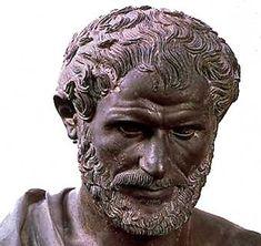 384 a.C.Nace en Estagira, Macedonia, diciendo que: Las palabras sirven para darle nombres   ( onóma ) a las cosas,cumpliendo con la función de ser marcas para que la mente reconozca algo.