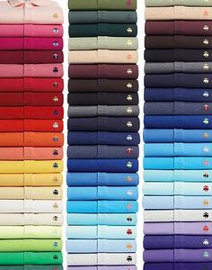 Una escala de colores hecha con polos. These shirts are from Brook's Brothers.