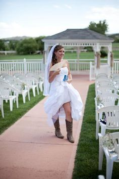 Newly wed bride at the Ellis Ranch Wedding Park sporting her boots. http://www.ellisrancheventcenter.com