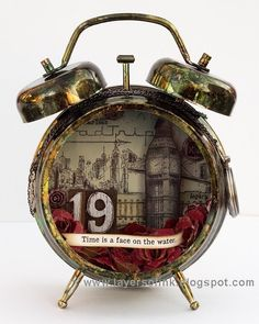 Layers of ink - Dark Tower Assemblage Clock Tutorial by Anna-Karin Evaldsson. Inspired by the Dark Tower books by Stephen King. The clock was made for the Simon Says Stamp Monday Challenge blog, using a Tim Holtz Assemblage Clock, idea-ology pieces, Sizzix dies, Ranger inks and stamps by Stamper's Anonymous.