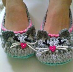 Ravelry: Women's Kitty Cat Slippers pattern by Lisa Casillas
