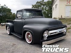 Ford F100.