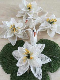 Diy Flowers, Crochet Flowers, Sisal, Needle Lace, Bargello, Burlap Wreath, Cactus Plants, Crochet Stitches, Tatting