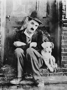Nesta quarta (26) Sesc Carmo em SP irá exibir três filmes mudos de Charlie Chaplin com trilha sonora ao vivo.