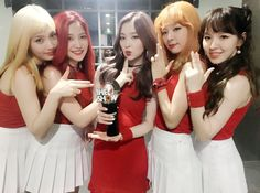 Red Velvet Nabs #RussianRoulette1stWin at 'The Show'. #kpop
