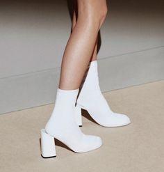 new paris pale streetwear contemporary fashion Curated by CAROLINE DAILY PARIS #cartonmagazine