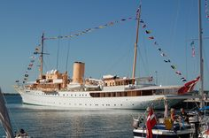 The Royal Yacht  (fotograf: Jan Boogaloo)