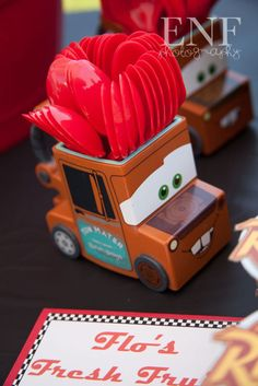 Events Not Forgotten: Ka-Chow! Car Themed Parties, Cars Birthday Parties, Boy Birthday, Festa Hot Wheels, Hot Wheels Party, Disney Cars Party, Disney Cars Birthday, Car Themes, Baby Party