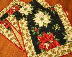 Corredor de la tabla acolchada de Navidad con flores de Pascua y Holly, Extra larga mesa corredor, mantel de Navidad, Navidad centro de mesa