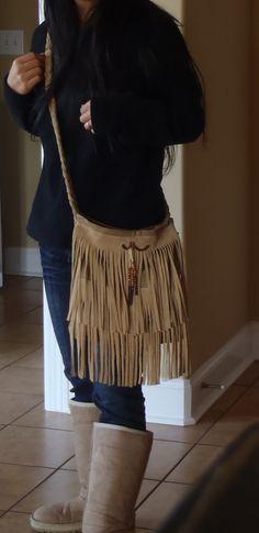 Lazy Liz on Less: DIY Fringe crossbody bag!!! DIY????? im gonna make this, im gonna make this, i HAVE to make this!! soooo cute! love it<3