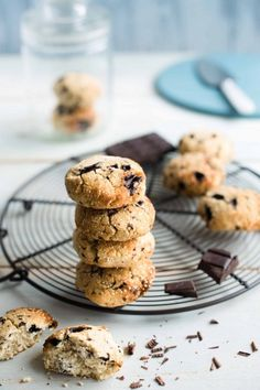 """750g vous propose la recette """"Cookies de quinoa aux pépites de chocolat"""" publiée…"""