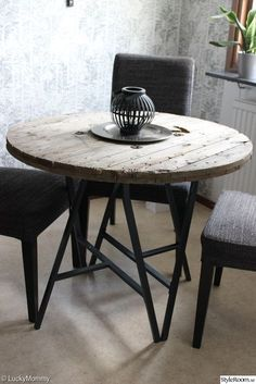 Lerberg Ikea, Ikea Ekby, Diy Projects Ikea, Pipe Furniture, Diy Interior, Round Dining Table, Diy Table, Ikea Hack, Decoration