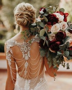 Forget the bouquet toss! You won't want to let go of these these beautiful fall wedding bouquets, let alone chuck one across the reception hall. Wedding Dress Styles, Wedding Colors, Bridal Dresses, Fall Wedding Bouquets, Bride Bouquets, Happy Bride, Pronovias, Couture Wedding Gowns, Braut Make-up